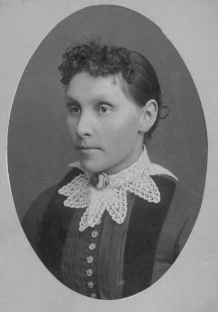 Annie Shelton Obrary Thomas when she was married in 1865.