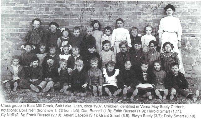 Arta Elwyn Seely in a school photo about 1907