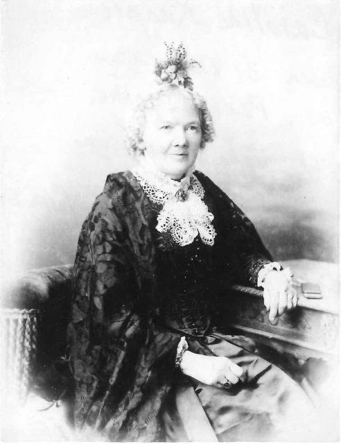 Caroline Knapton