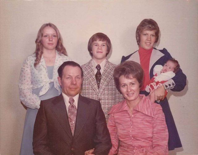 Don-Merle-Teri-David-Donna-Krista-Dec1975