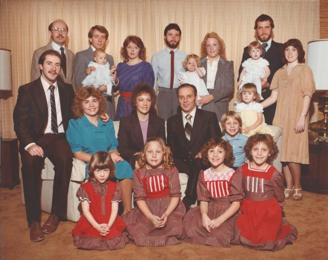Richman family portrait Christmas 1983