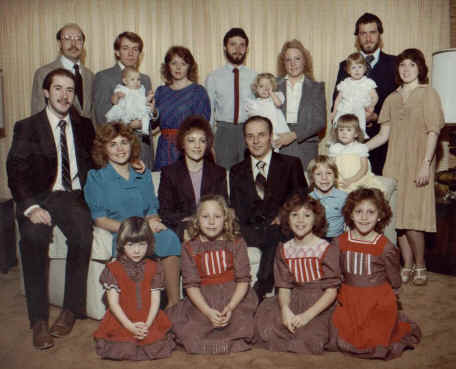 The children and grandchildren of Lynn Thomas Richman and Mary Elizabeth Smith, Christmas 1983