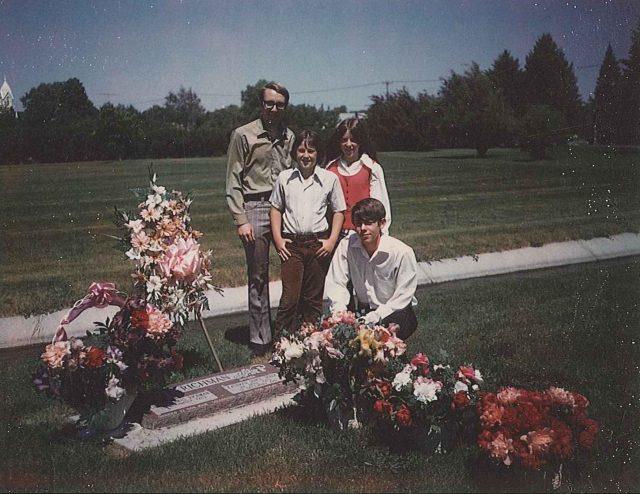 Jeff, Rick, Joy, Larry Richman at graveside of Kathryn Joyce Seely Richman