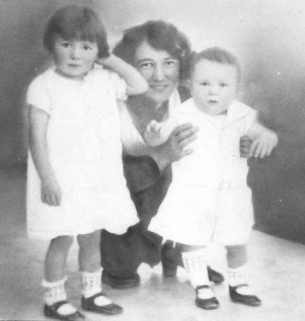 Joyce, her mother Grace, Glen