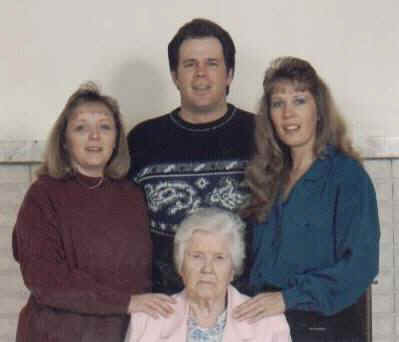 Linnie, Teri, Donna, David