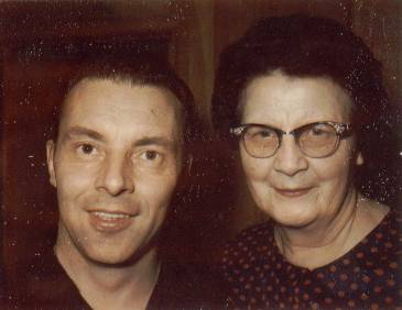 Lynn Richman and his mother Boston in Dec 1967
