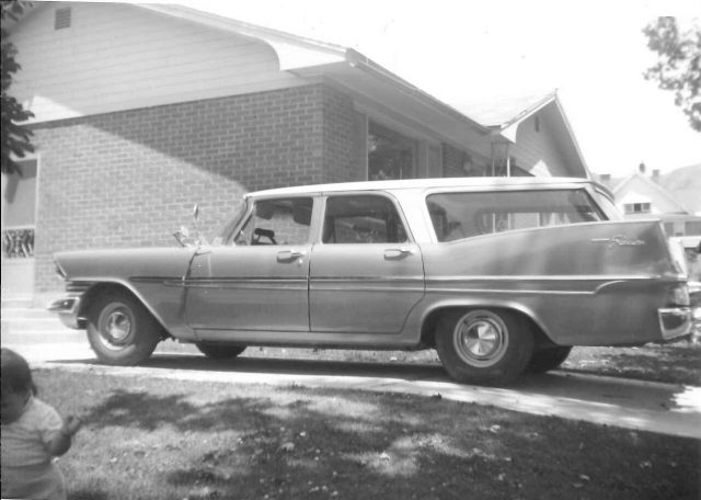 1959 Plymouth Wagon (blue)