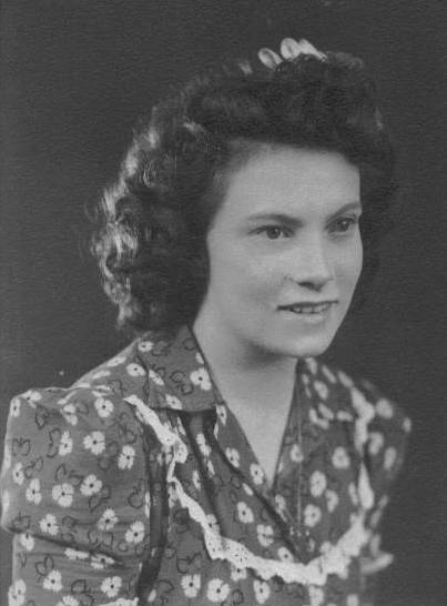 Reta Nelson, 1939 graduation, 18 years old