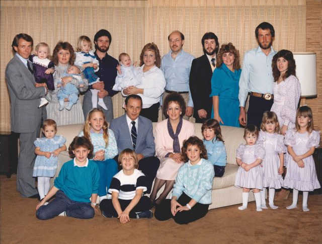 Lynn & Mary Richman Family 1985