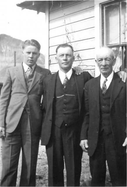 John Edward Thomas, Joe (John Edward's son), Clark (Joe's son)