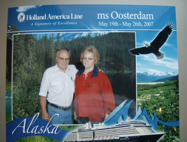 Lynn & Mary on cruise May 19-26, 2007