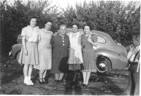 Samuelson family (left to right: Emma Euleda Samuelson, Mildred Matilda Samuelson, Sarah Ellen Lambson, Mary Frieda Samuelson, Thora Samuelson